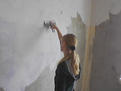 Как зашпаклевать дырку в стене