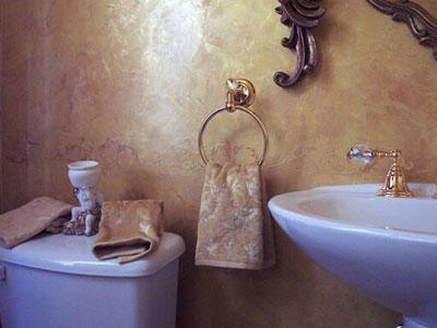 Декоративная штукатурка в интерьере санузла.