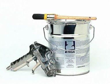 Демонстрируется электропроводная краска Zinga для активной катодной защиты.