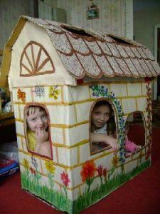 Как сделать из коробки маленький домик