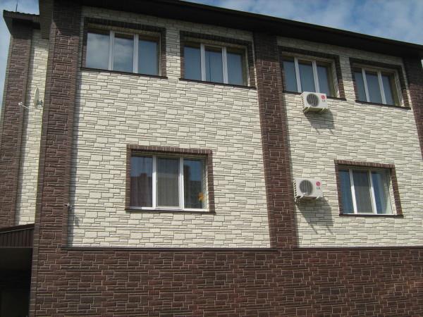 Дом, облицованный стеновыми панелями