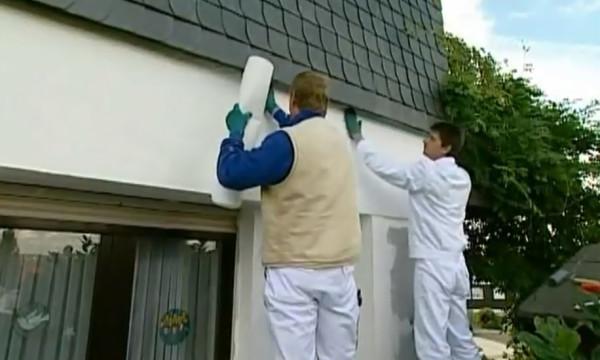 Фасадные обои - превосходный материал для заделывания трещин на стенах