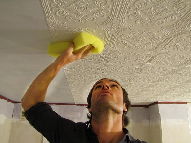 нужно сказать, чем покрасить пластиковые потолки люди