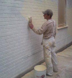Фото покраски кирпичной стены