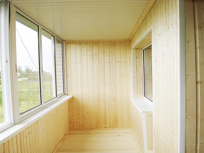 Внутренняя отделка балкона вагонкой