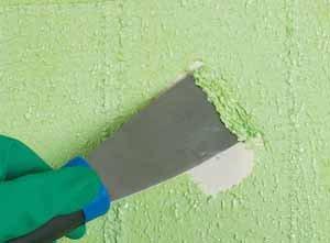 Иногда просто везёт – небольшой разогрев и такое простое средство для снятия старой краски с дерева