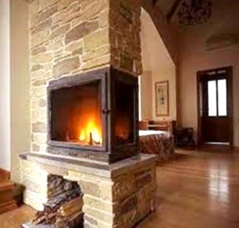 Камень с успехом может быть применён и внутри дома