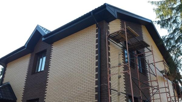 Кирпич – традиционный материал для отделки фасадов