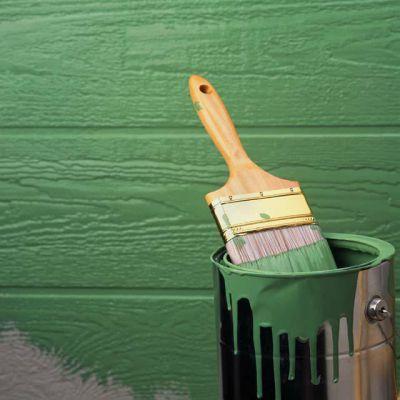 Материал часто используют для окрашивания деревянных фасадов.