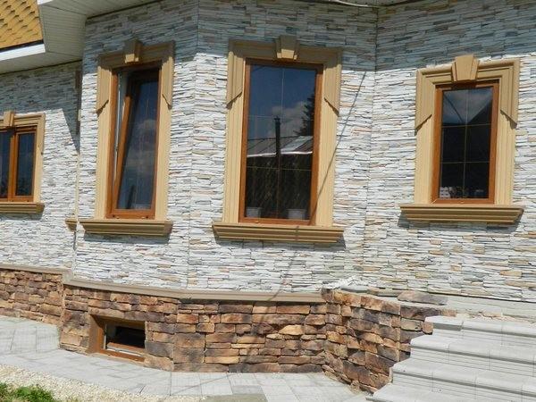 На фото облицовка здания из искусственного камня.