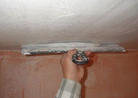Шпатлевка потолок своими руками