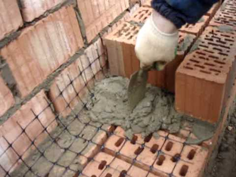 Некоторые мастера используют такой материал для связки рядов в кладке