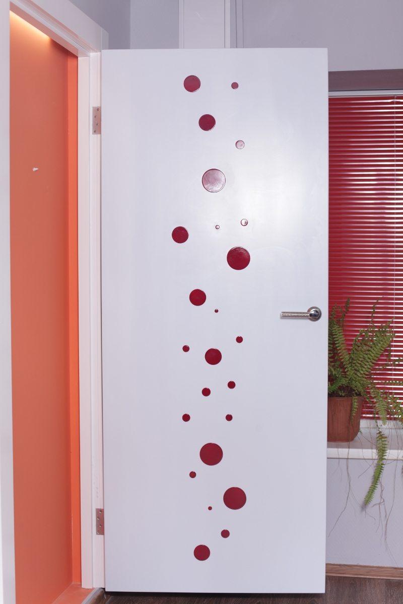Декорировать межкомнатной двери своими руками
