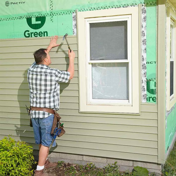 Отделать дом сайдингом своими руками: обшивка деревянного и кирпичного строения, видео и фото