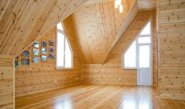 Отделка интерьера загородного дома деревянной вагонкой