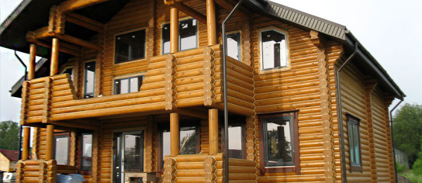Отделка канатом сруба преображает внешний вид здания
