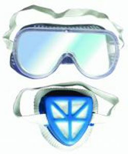 Подходящие для работы с токсичными веществами защитные очки и респиратор, не пренебрегайте этим!