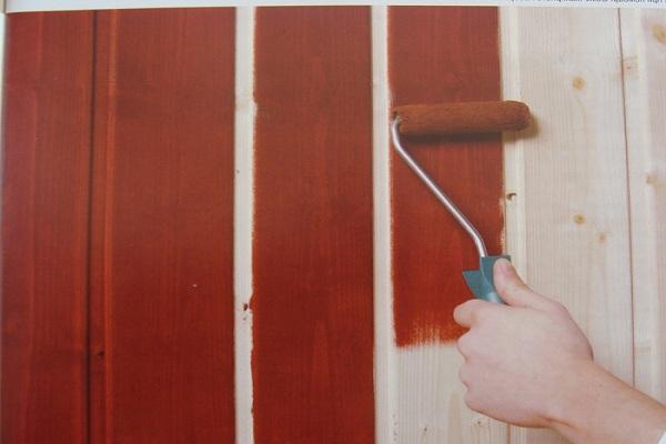Покрытие древесины краской