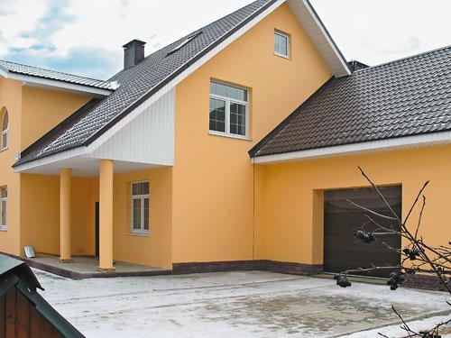 После покраски дом приобретает окончательный вид