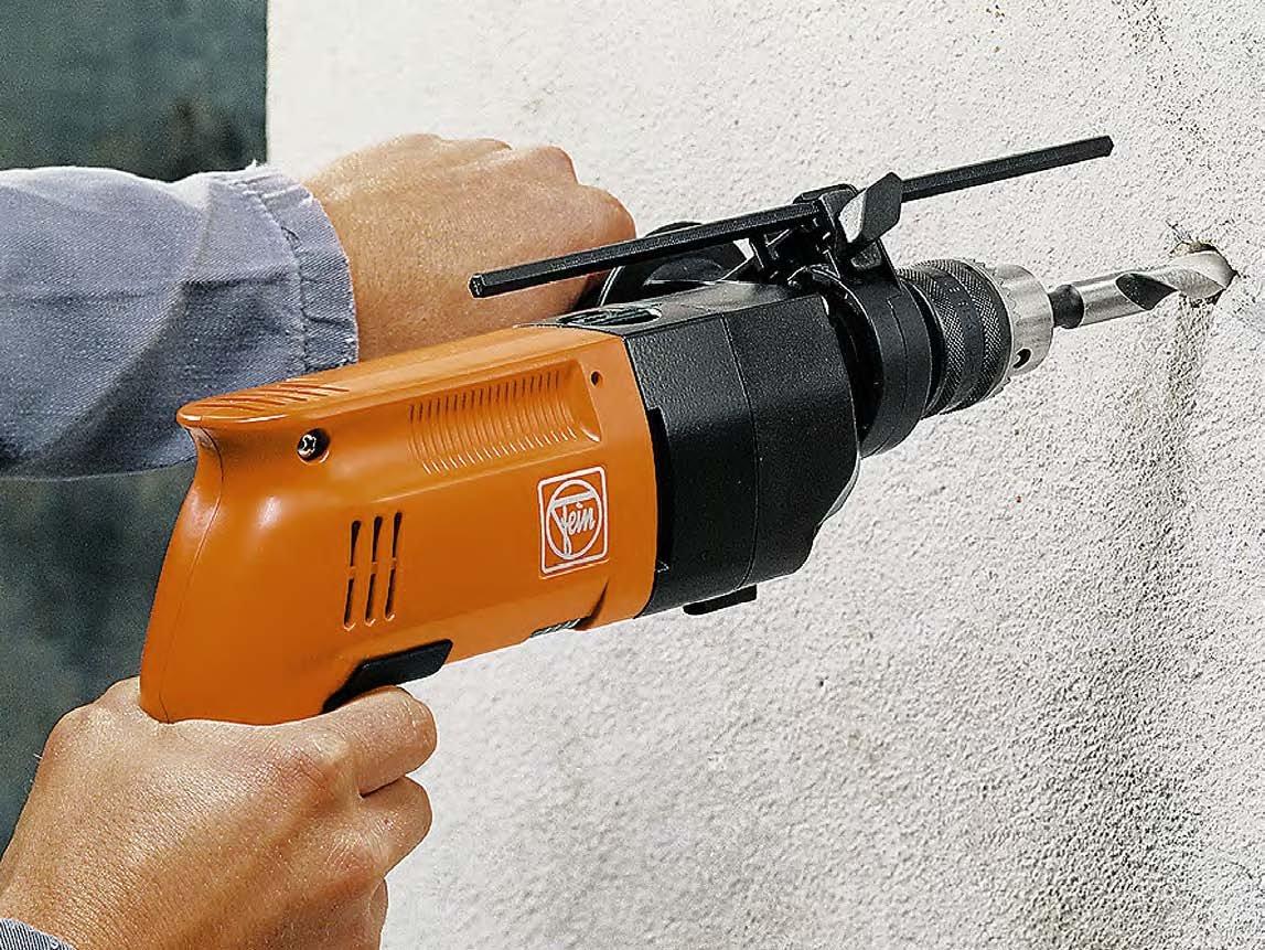 Как сделать дырку в стене без перфоратора