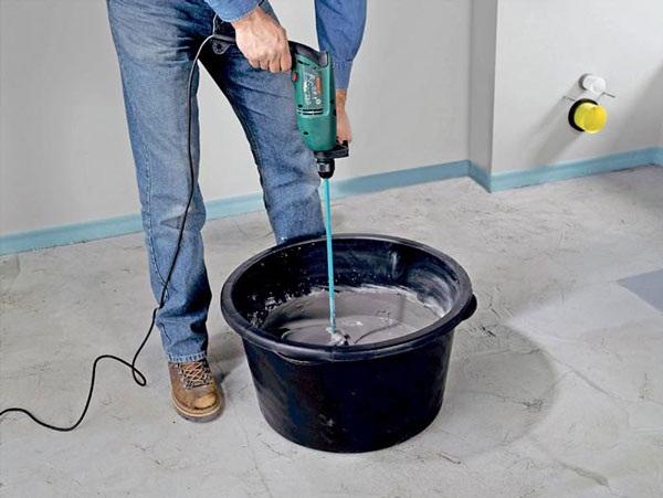 Применение сухих штукатурных смесей в условиях стройки повышает качество производимых отделочных работ.
