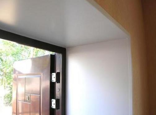 Как обшить входную дверь панелями