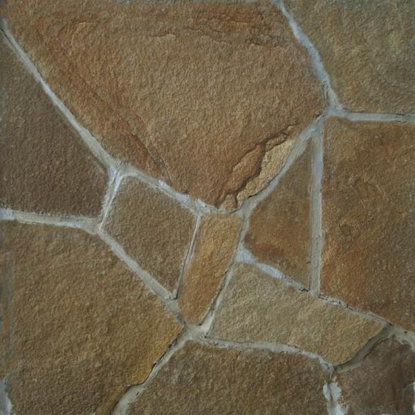 Швы меж камнями сразу затирайте раствором.