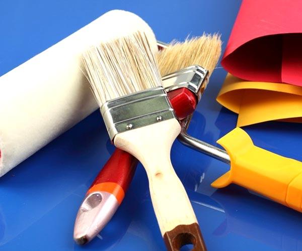 Следует заранее подготовить инструментарий для покраски, представленный на фото.