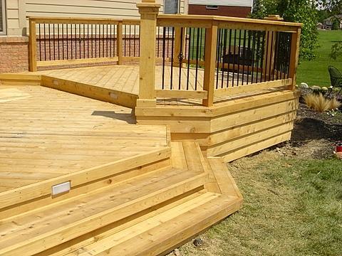 Сосновая древесина достаточно проста в обработке