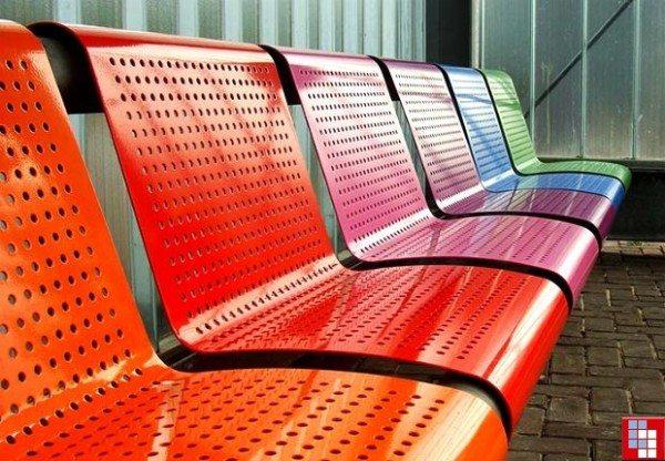 Современные полимерные эмали можно отличить по яркому насыщенному цвету.