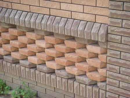 Современный облицовочный кирпич способен создавать самые необычные формы на вашей стене