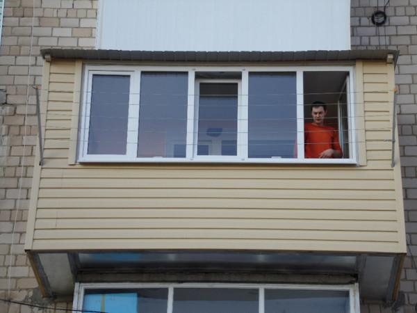 Такой балкон мы сейчас будем делать своими руками
