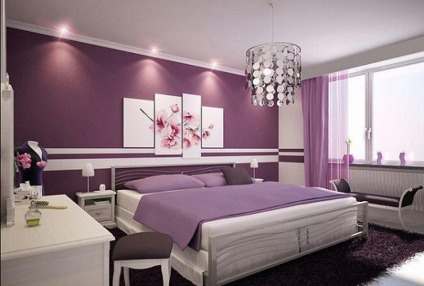 Behang Paars Slaapkamer : Lila behang in het interieur