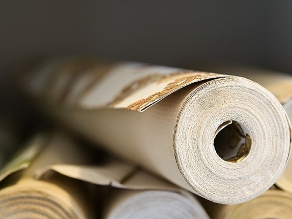 Типовой рулон винилового настенного покрытия.