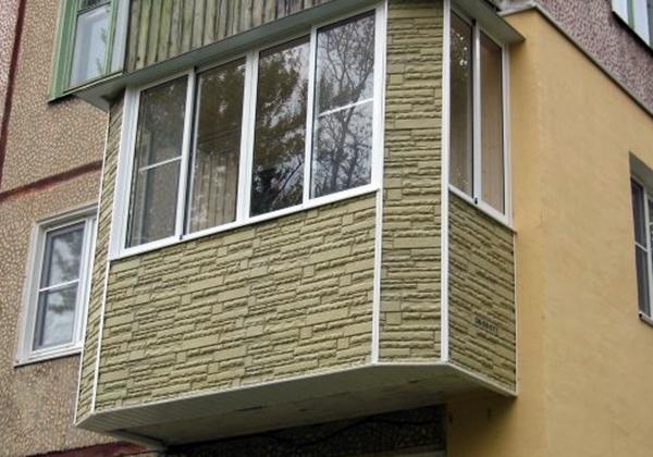 Цокольный сайдинг – интересное решение для балкона