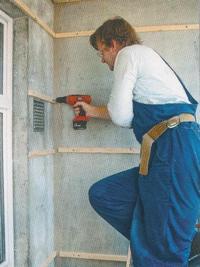 Установка деревянного каркаса непосредственно на стену