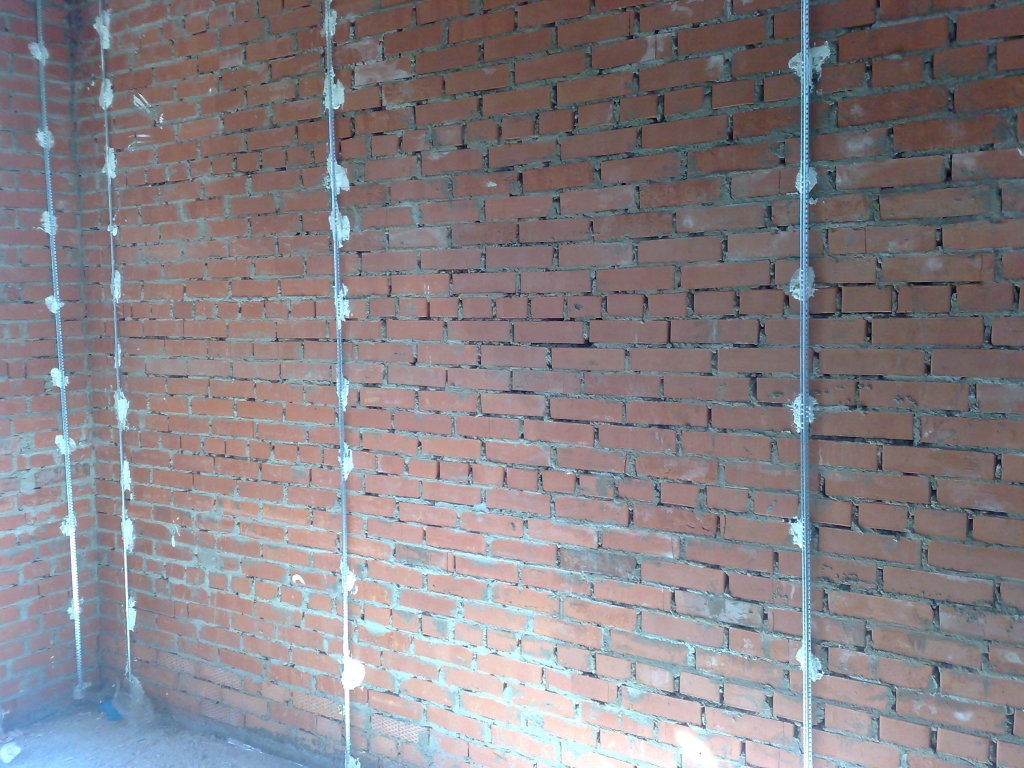 Как отштукатурить стены своими руками по маякам