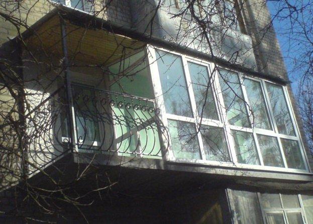Весеннее оттаивание балкона после зимних морозов