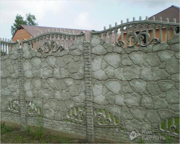 Выбирать какой инструмент для нанесения красителя на поверхность может понадобиться стоит исходя из внешнего вида секции, ее рельефа и сложности бетонных элементов