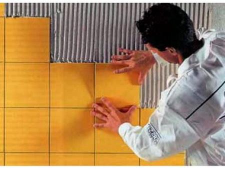 Аккуратность – залог качественной укладки плитки