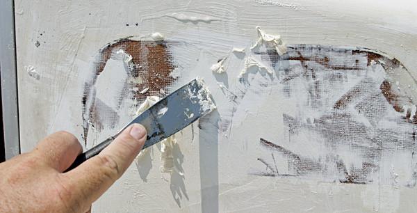 Акриловая краска после размягчения органическим растворителем.
