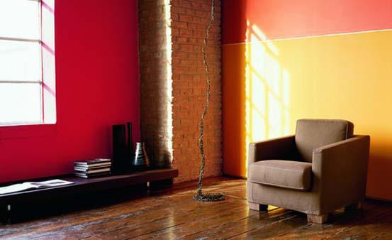 Акриловые составы отличает яркий насыщенный цвет, который не выгорает со временем.
