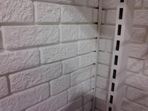 Белый декоративный кирпич для внутренней отделки