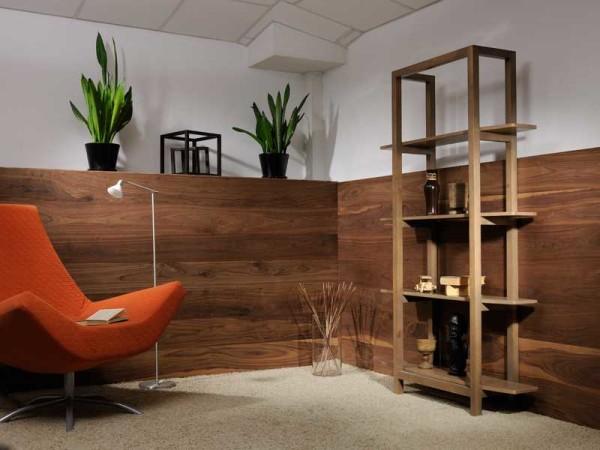 Благодаря декоративному покрытию имитация панелями МДФ натуральной древесины выглядит вполне достоверно.