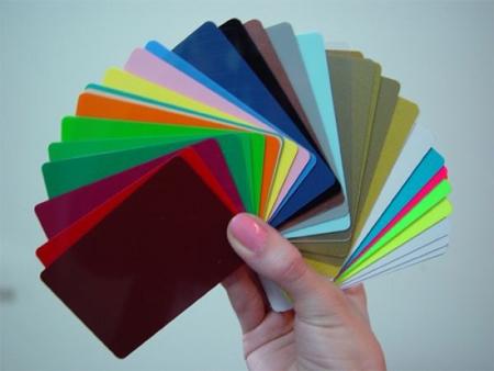 Богатый выбор цветов позволит создать вам креативную раму, способную стать настоящим украшением фасада