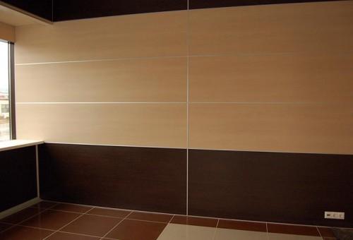 Большой размер плит снижает время обшивки стен