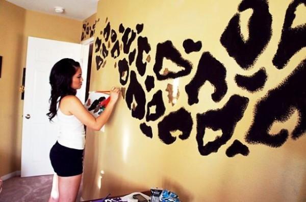 Частичное оформление стены своими руками