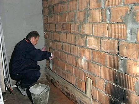 Чем ровнее стена – тем проще дальнейшие работы