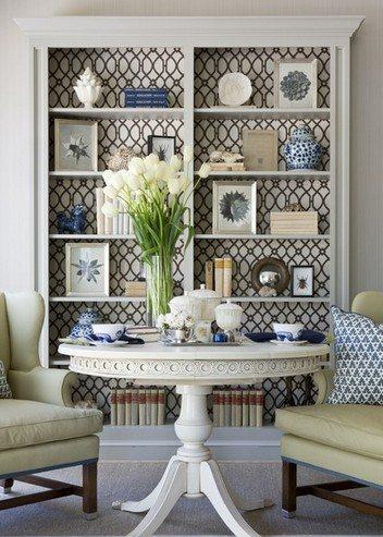 Чтобы сделать стеллаж стильным, не нужна никакая инструкция – просто оклеивается задняя стенка и изделие готово