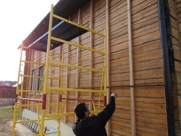 Чтобы строение простояло как можно дольше, древесину нужно защитить
